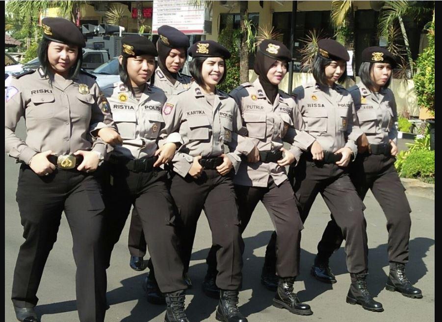 Polisi Wanita Hebat
